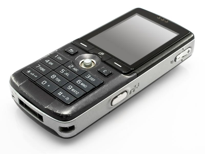 Starým typům mobilů odzvonilo, dnes jsou trendem chytré telefony