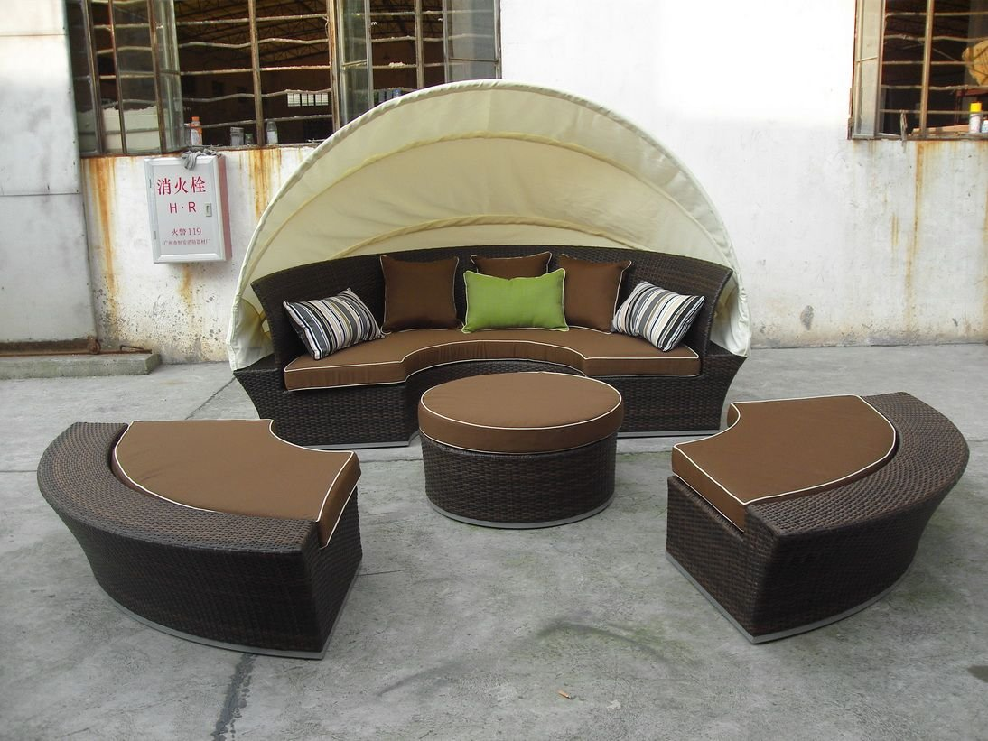 Ratanový nábytek na zahradu