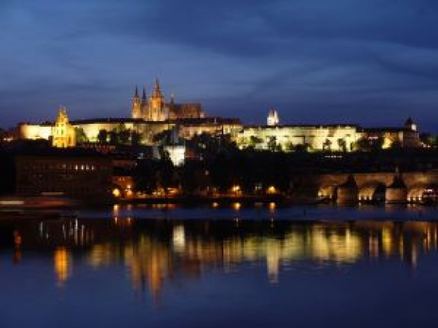 Noční Praha ukáže památky v jiném světle