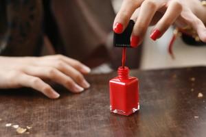 Parfémované laky a odlakovače na nehty