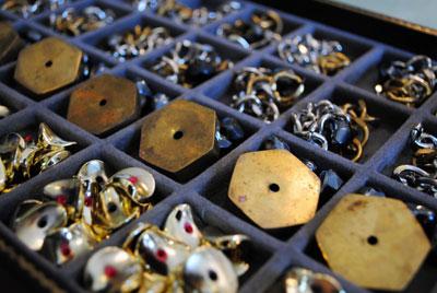 Jak udělat ze starých šperků zase nové
