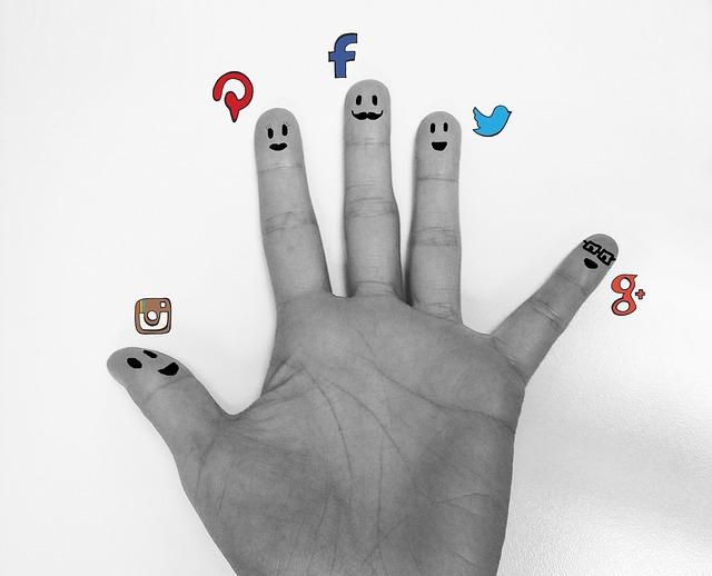 Facebook vás nudí? Zkuste Pinterest nebo Instagram!