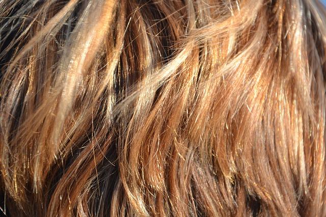 Zvládněte domácí barvení vlasů levou zadní!