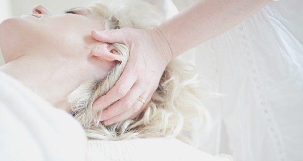 K čemu je dobrá masáž hlavy?