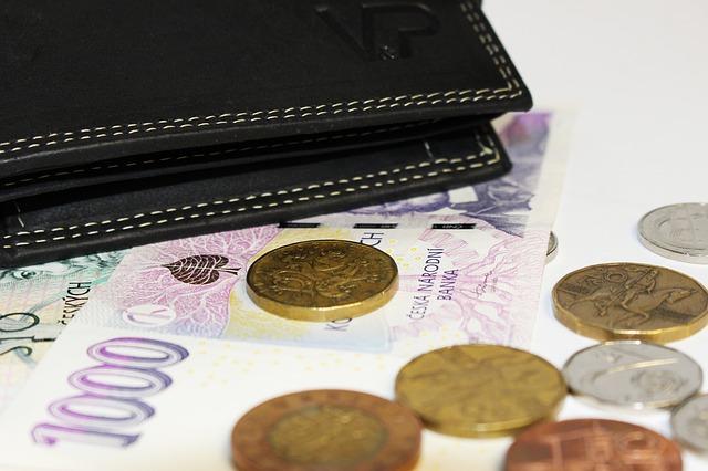 Kdy si půjčit u nebankovní společnost a kdy u banky?