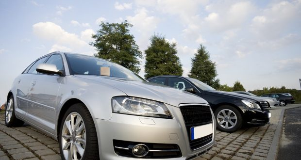 Chcete prodat auto? Víme, kde je to jednoduché a výhodné